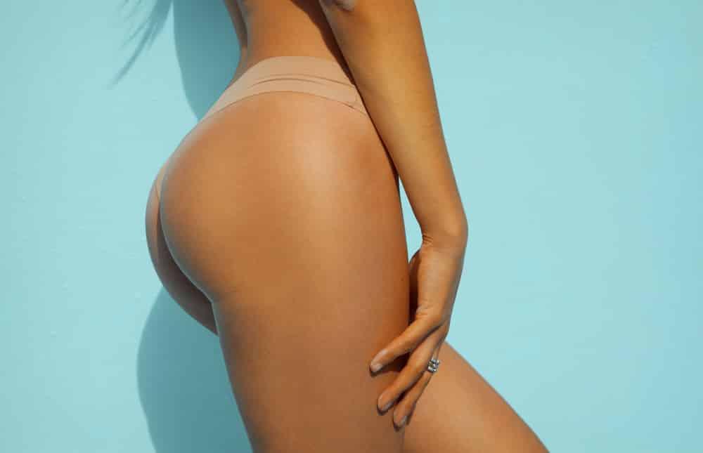 Augmentations des fesses par prothèses de fesses ou implants fessiers