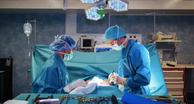 Docteur Gasnier  et dumas chirurgie esthétique à Nice